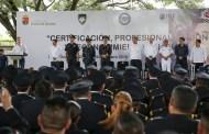 Reconocen mérito de hombres y mujeres policías
