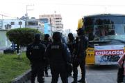 Escoltados a clases 250 maestros en Guerrero