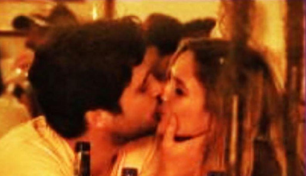 Captan beso entre Diego Boneta y Mayte Rodríguez