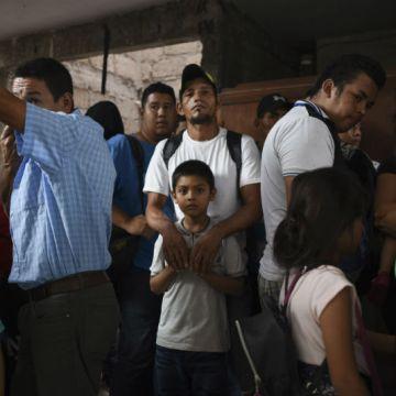 Aseguran a 22 migrantes y detiene a cuatro personas por tráfico en Veracruz