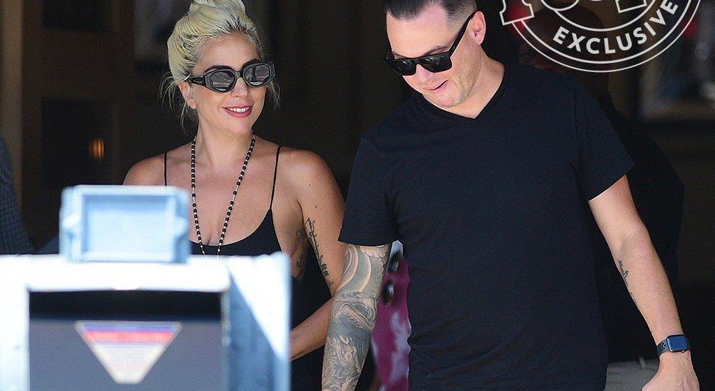 Lady Gaga tiene nuevo novio y no es Bradley Cooper