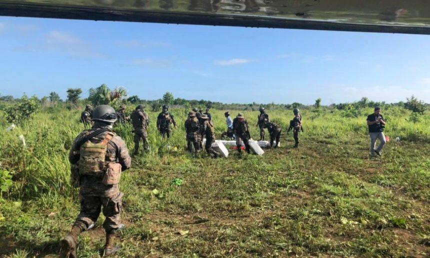 Detienen a 11 mexicanos en Petén, Guatemala, transportaban 422 paquetes de cocaína