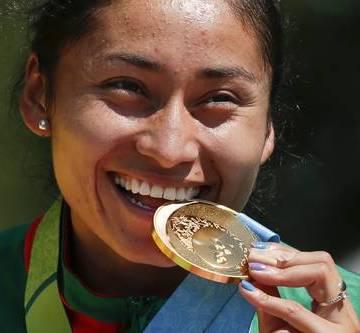Lupita González, medallista mexicana, tiene nuevos cargos por usar pruebas falsas en caso de dopaje