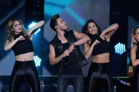 MIAMI, FL - NOVEMBER 07: Recording artist PrinceRoyce performs onstage at iHeartRadio Fiesta Latina presented by Sprint at American Airlines Arena on November 7, 2015 in Miami, Florida. (Photo: Getty Images for iHeartMedia)