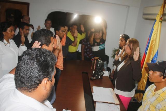 La alcaldesa Nidia Loreto y presidenta del Clpp juramentó a los voceros