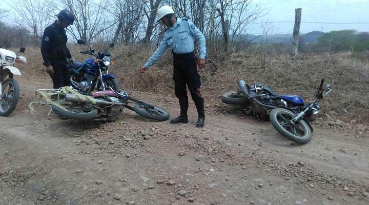 Los sujetos se trasladaban en dos motos las cuales quedaron en el lugar