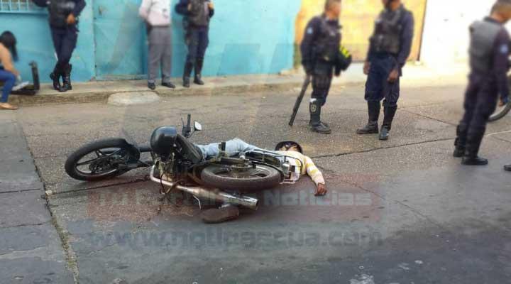 Fue colectado el arma robada al ex prefecto y una motocicleta.