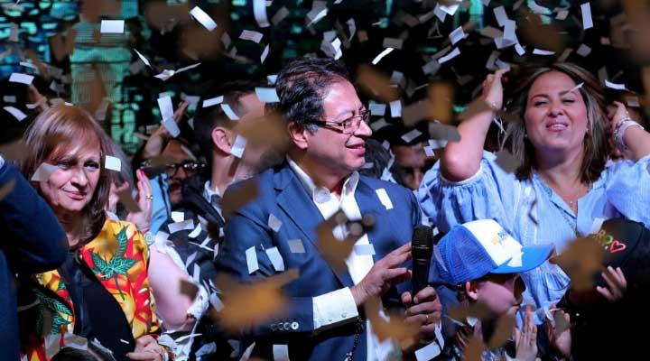 Gustavo Petro obtuvo 8 millones de votos .
