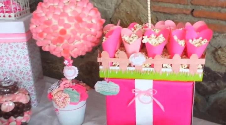 Tapiario y cesta para decorar la mesa de dulces scrapbook