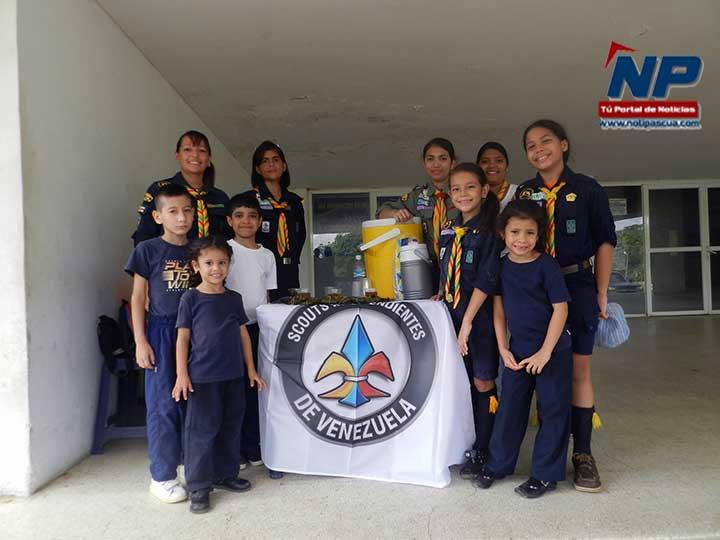 Niños, adolescentes y adultos del Grupo Scout Guerreros Llaneros llevaron comida a personas necesitadas del hospital Dr. Rafael Zamora Arevalo.