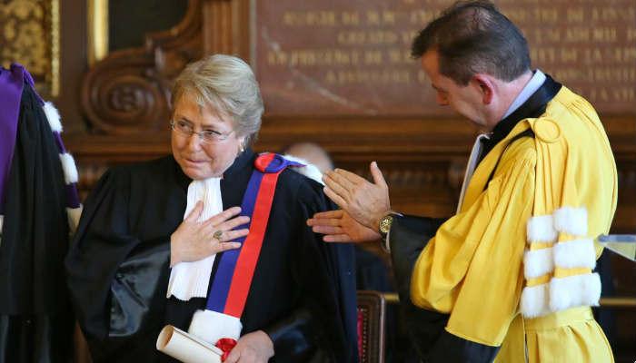 Bachelet fue ministra de Salud, luego de Defensa y finalmente dos veces presidenta de Chile