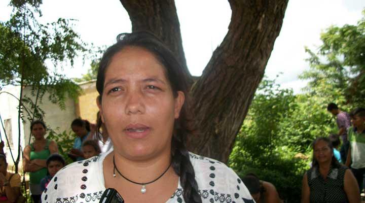 """Franci Pinto: """"Nuestros hijos tienen derecho a una digna educación"""""""