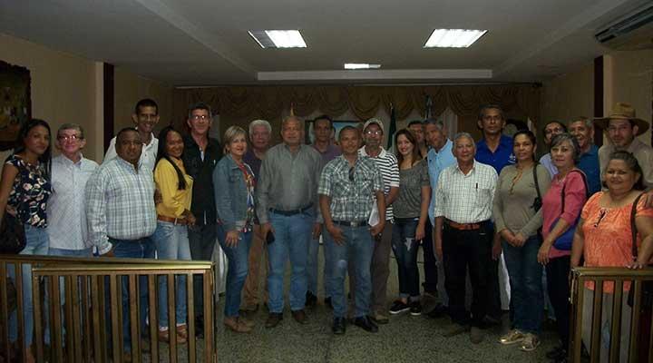 Dirigentes municipales de AD  invitan al 77 aniversario (3)
