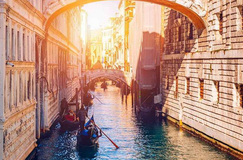 Puente de Los Suspiros, en Venecia