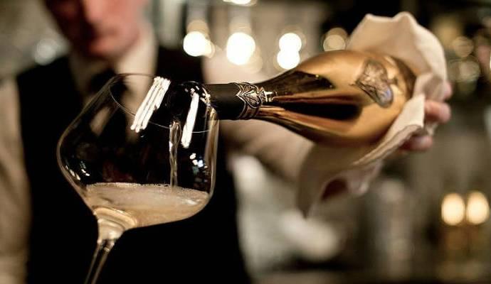 En la actualidad tomar champagne es algo elegante