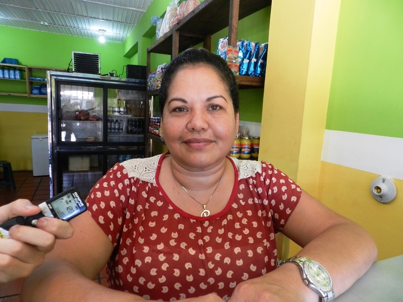 Romina Fernández, comerciante dijo que la Ayuda Humanitaria es esencial ante la falta de insumos y medicinas en los centros de salud públicos y privados.jpg