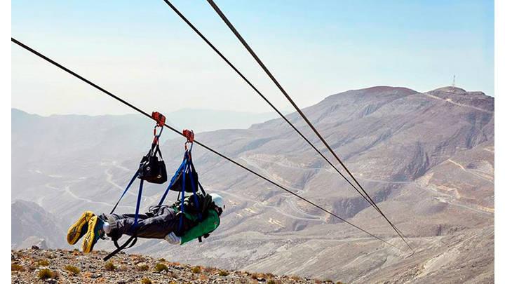 ¡Zumbate sin remordimiento en el tirolina más largo del mundo a 120 km/h. Disfruta al máximo.