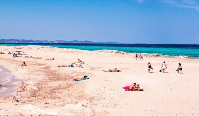 Playas hermosas de aguas cristalinas, desconéctate del estrés.