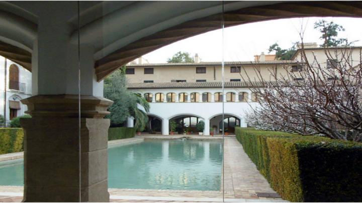 Lugares de paz y sosiego, Convento museo de Santa Clara, conlberca para sentir el rumor del agua