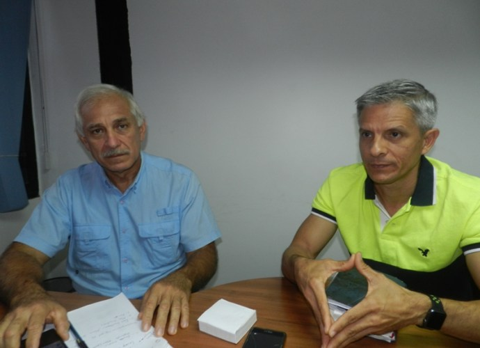 Cecilio Moreno y Rafael Meza, directivos de Aprolegua, proyectan la siembra de 15 mil hect_reas de maiz entre los agremiados.