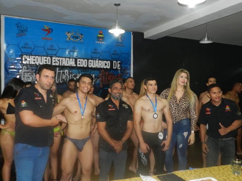Imponen medallas a los emergentes atletas Orlando Gonzalez y Antonio Franceschi.jpg