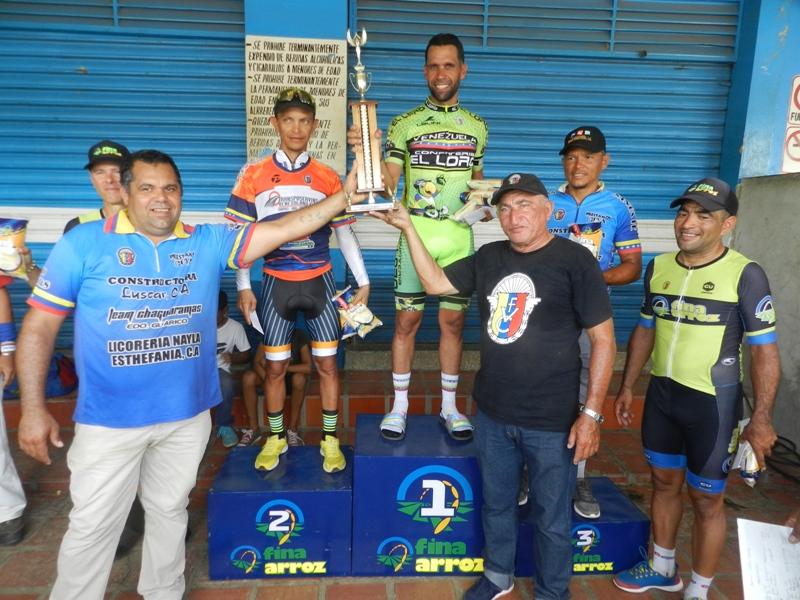 Premiación en categoría master B ciclismo chaguaramas
