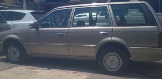 Delincuentes roban camioneta que se encontraba estacionada en Nueva Granada.