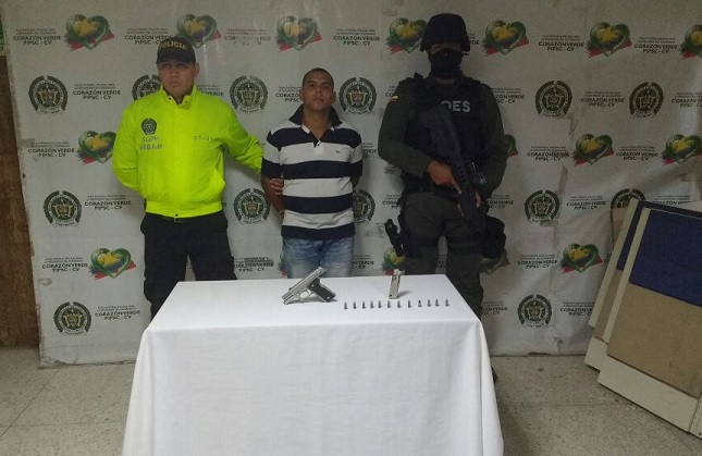 POLICIA Y FISCALIA CAPTURAN A UNA PERSONA POR PORTE ILEGAL DE ARMA DE FUEGO