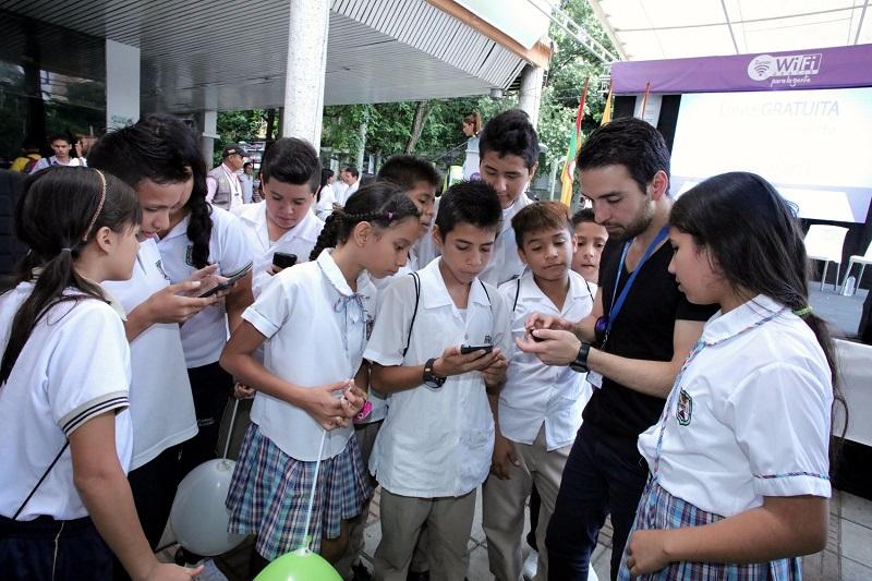 Neivanos tienen más oportunidades con su primera Zona WiFi Gratis y un Punto Vive Digital Lab