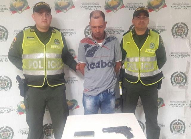 EN OPERATIVOS POLICIALES SE LOGRA LA CAPTURA DE CUATRO PERSONAS POR DIFERENTES DELITOS.