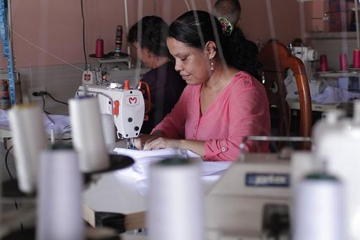 Programa de generación de ingresos de la Gobernación mejora la vida de retornados de Venezuela