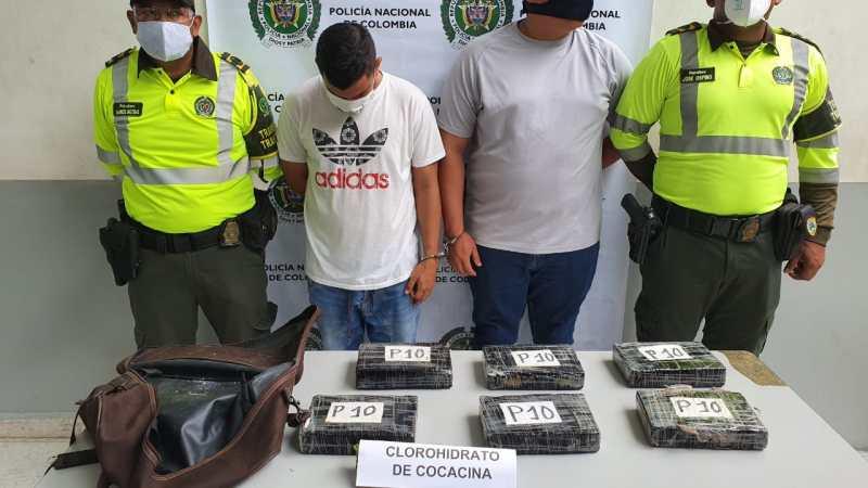 CAPTURADOS TRANSPORTANDO MÁS DE 6000 GRAMOS COCAÍNA