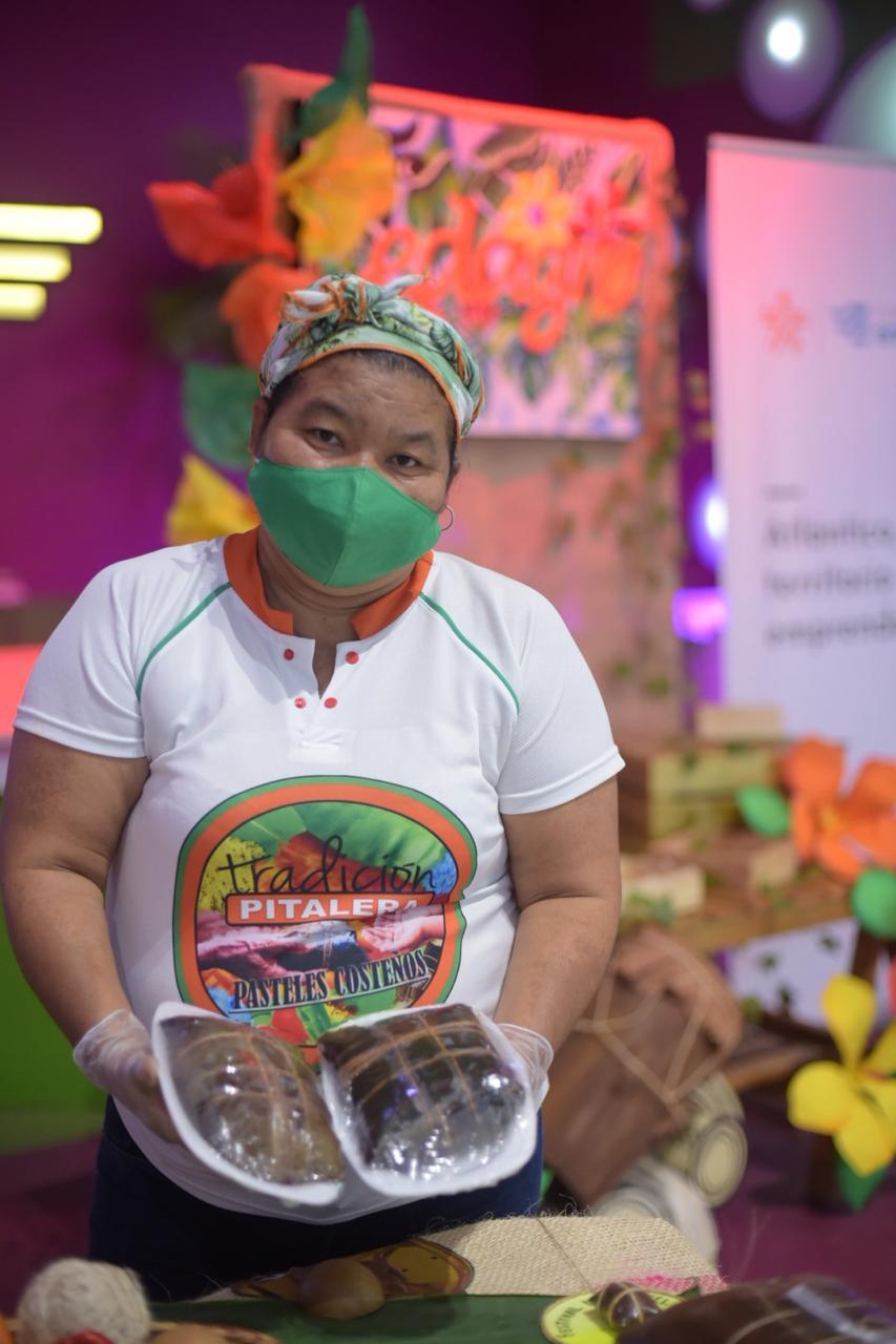 SENA capacita en bioseguridad y buenas prácticas a matronas del Festival de Pastel de Pital de Megua