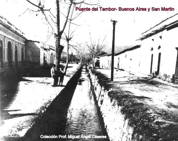 Calle de los Puentes (año 1900)