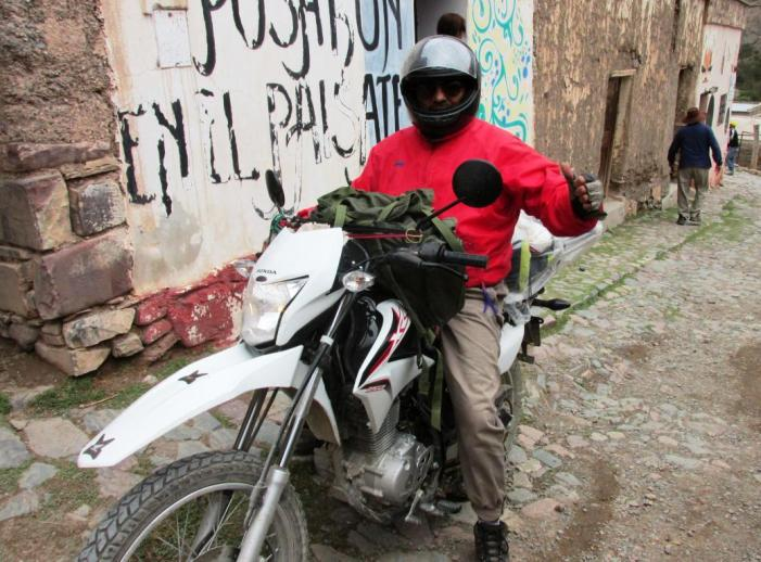 Juan, de Vespucio (Salta), a punto de partir para La Quiaca, Jujuy. (Foto: Pablo Harvey).