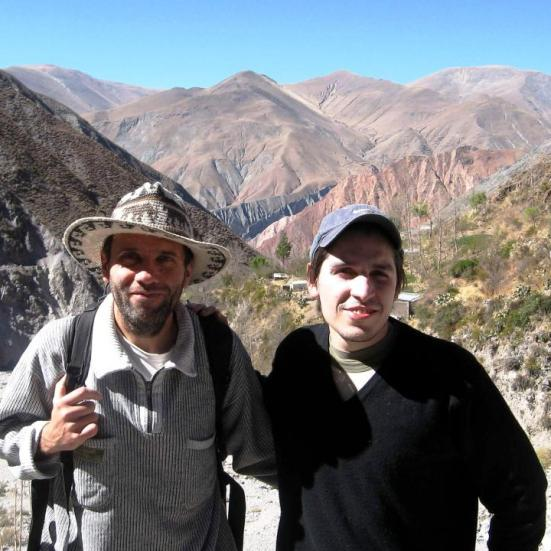 Editor, en San Isidro (Iruya), junto a Iván, un amigo.