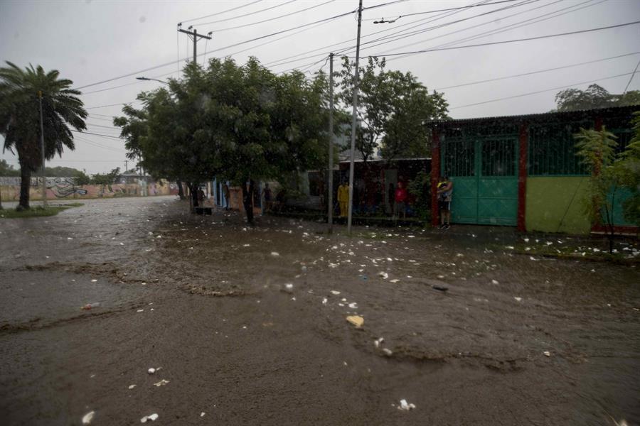 Incrementan a ocho los muertos por el paso del huracán Iota en Nicaragua