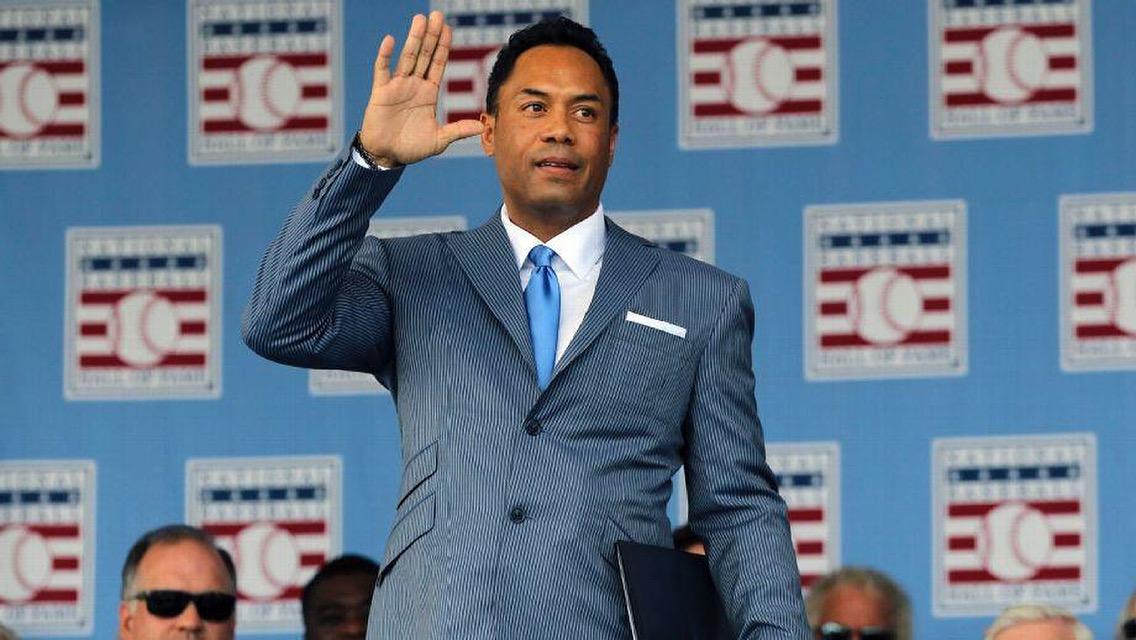 "MLB expulsa a Roberto Alomar por ""inconducta sexual"""