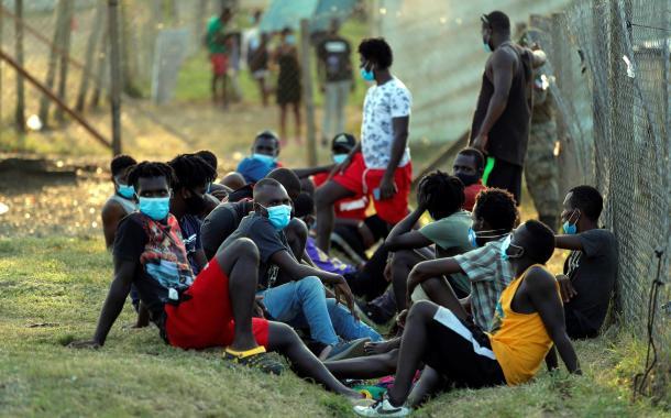 """Más 70.000 migrantes han cruzado Panamá este año, una cifra """"récord"""""""