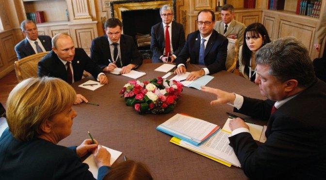 Ukraine: Frau Merkel bespricht sich mit Herrn Obama