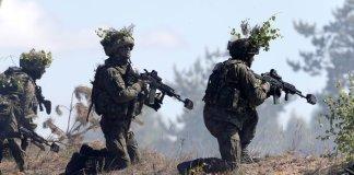 Russia e Nato spostano la tensione nel teatro balcanico.