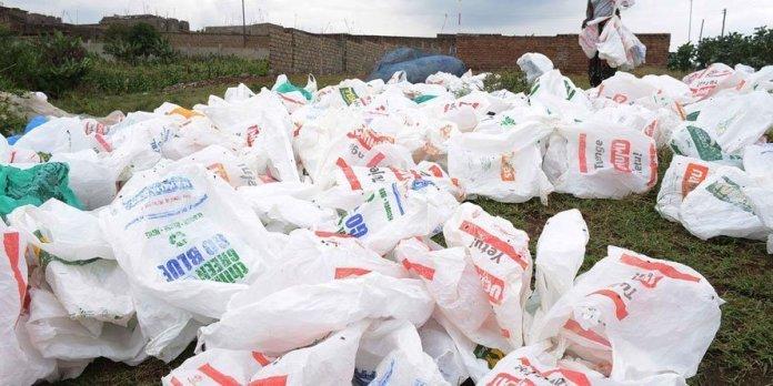 Kenya vieta borse in plastica multe fino a 38000 dollari