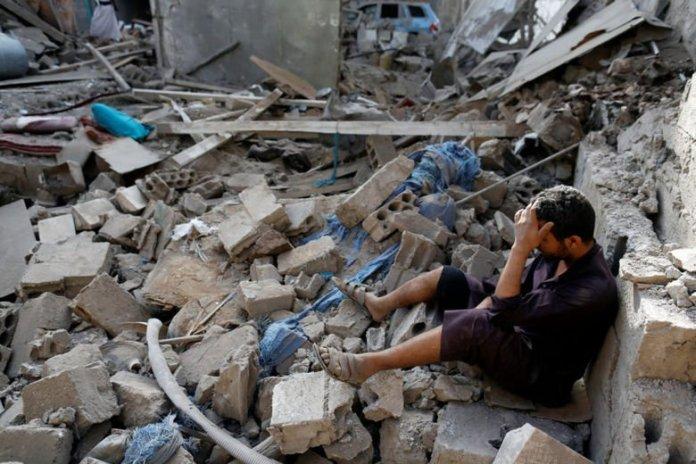 Bomba sganciata su mercato di Saada, Yemen