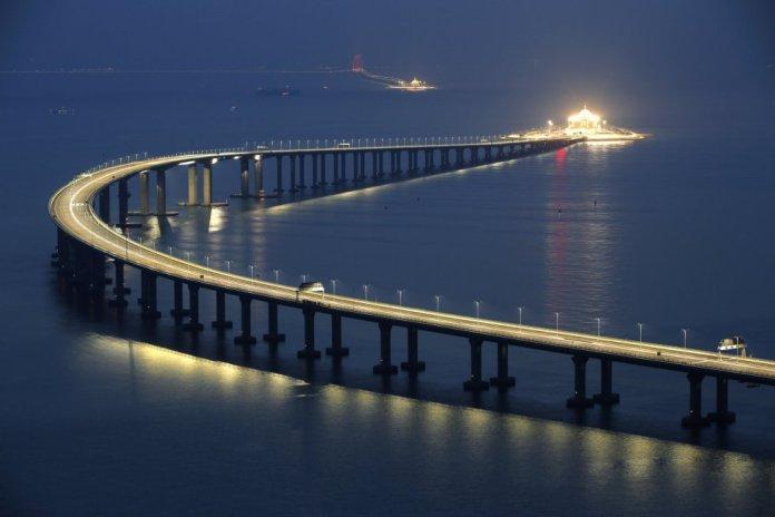 Il ponte più lungo del mondo di Hong Kong