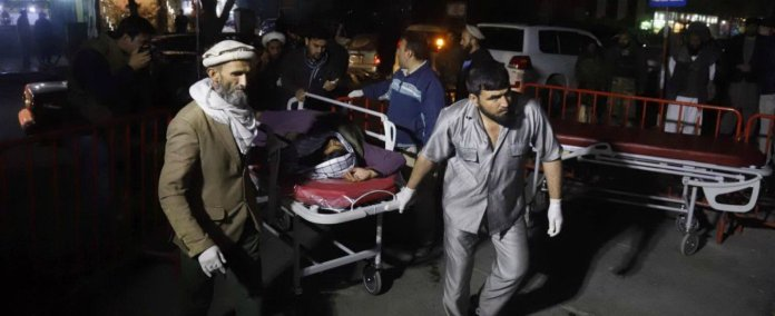 Attentato a Kabul causa 43 morti e decine di feriti