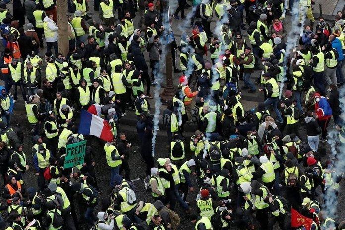 Gilet Gialli agli Champs-Elysees