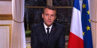 La retromarcia di Macron sui gilet gialli