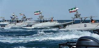 Iran lancia esercitazioni militari nello Stretto di Hormuz