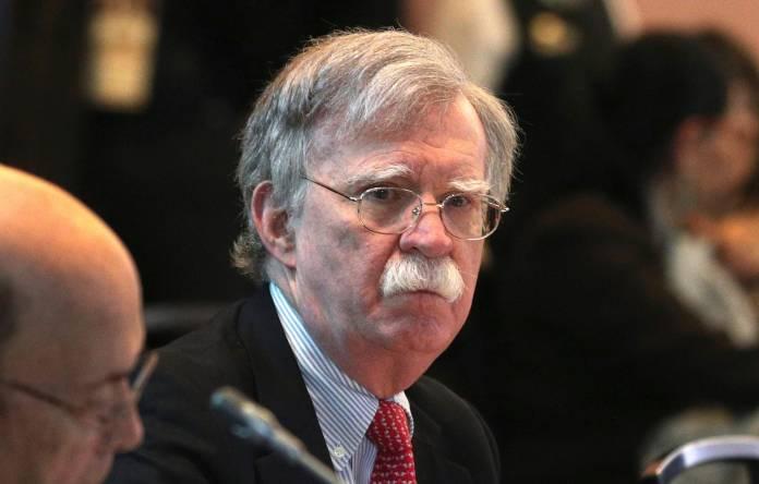 Trump licenzia anche Bolton