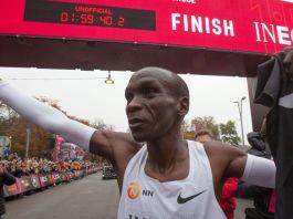 L'uomo che corre la maratona in meno di due ore